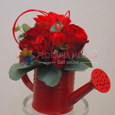 a92_cu_3_trandafiri_2_ranuculus