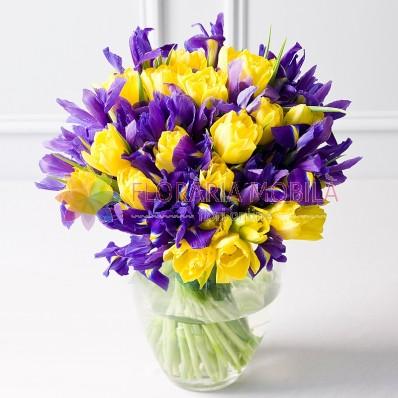 aranjament floral irisi si narcise
